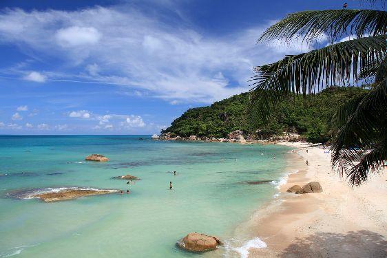 Иногда кажется, что пляжи на Самуи в июне принадлежат только Вам!