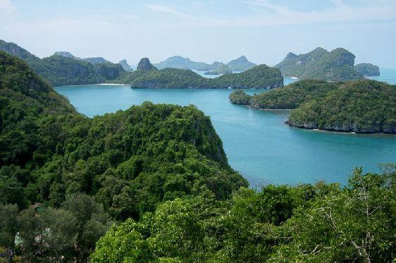 Морской заповедник ''Ang Thong'' расположился на площади 250 км2 к северо-западу от Самуи