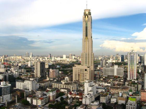 Отель ''Байо Скай''  - самое высокое здание Бангкока высотой 305 м.