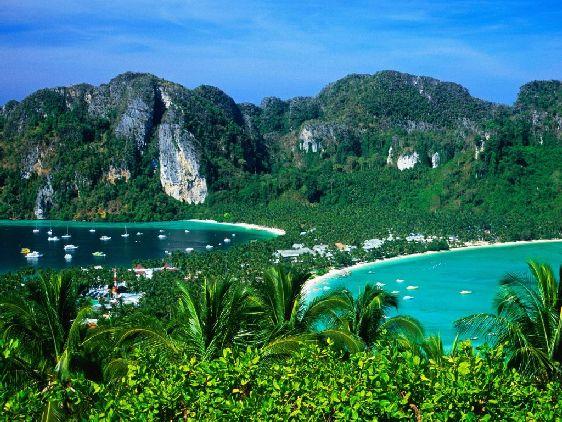 В отличие от Пхи-Пхи-Лея, Пхи-Пхи Дон - населённый остров, в основном здесь проживают рыбаки