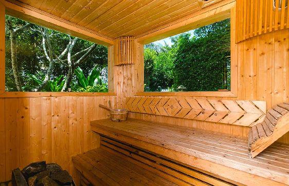 Иногда можно отдохнуть и в тайской сауне, где Вы отлично расслабитесь, и, возможно, попробуете на себе знаменитый тайский массаж
