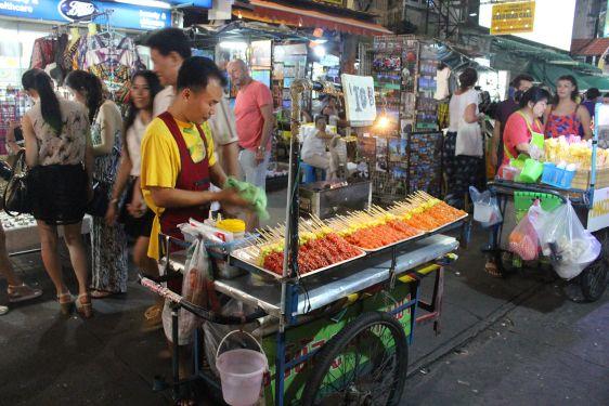 В Бангкоке широко распространена уличная еда