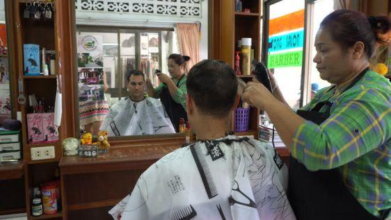 Если следовать приметам Таиланда, то среда - не лучший день сделать прическу